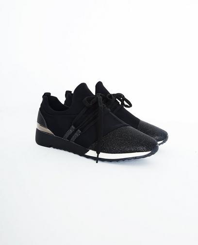Zwarte soepele sneakers